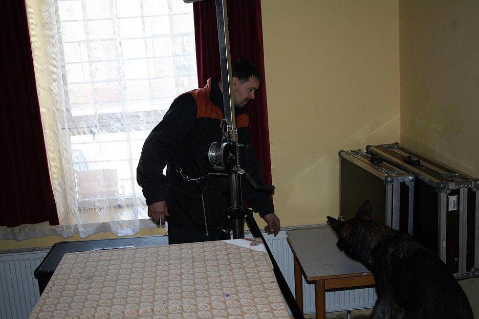 Policejní kynologové hledali na Střelnici v rámci cvičení bomby a drogy.