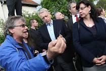 Ministři ve Varnsdorfu na Kovářské ulici.