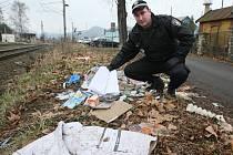 Děčínská městská policie zjišťuje, kde všude se přes zimu rozmnožily černé skládky