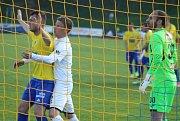 DERBY. Varnsdorf (ve žlutém) hostil v derby Ústí nad Labem.