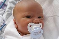 Pavlíně Procházkové z Děčína se 30. května v 0.37 v děčínské porodnici narodil syn Adámek Seiler. Měřil 51 cm a vážil 3,60 kg.