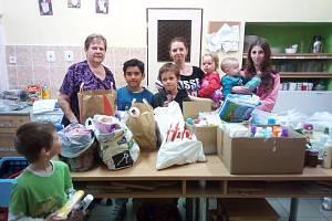 Sbírka pro azylový dům pro maminky s dětmi.