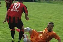 NEDAŘILO SE. Česká Kamenice (oranžové dresy) doma prohrála 0:3 s Křešicemi.