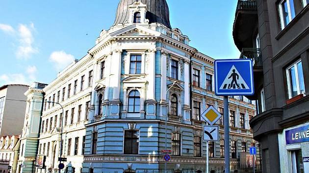 Budova UJEP ve Velké Hradební.