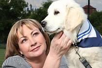 Ivana Zemanová a pes Darcy.