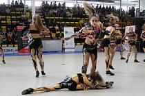 Ve sportovní hale na Maroldovce minulý týden kvůli vedru zkolabovalo 17 účastnic soutěže Dance Děčín 2019.