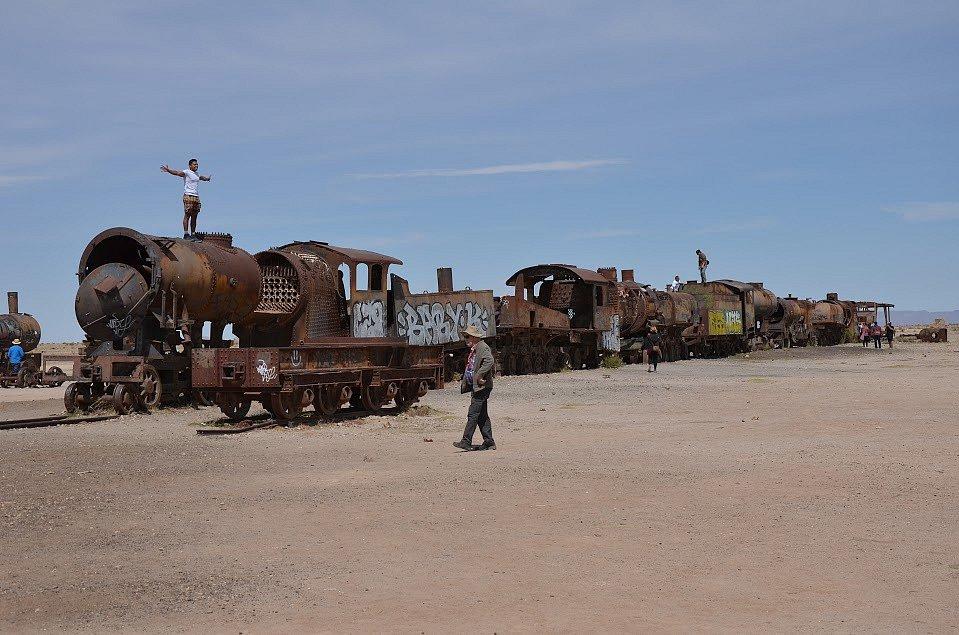 Hřbitov vlaků - seřazené lokomotivy