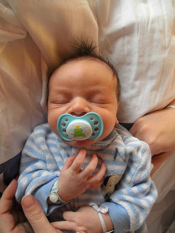 Marcele Harychové z Děčína se 6. října v 19:13 v děčínské porodnici narodil syn Kubík Harych. Měřil 54 cm a vážil 4,02 kg.