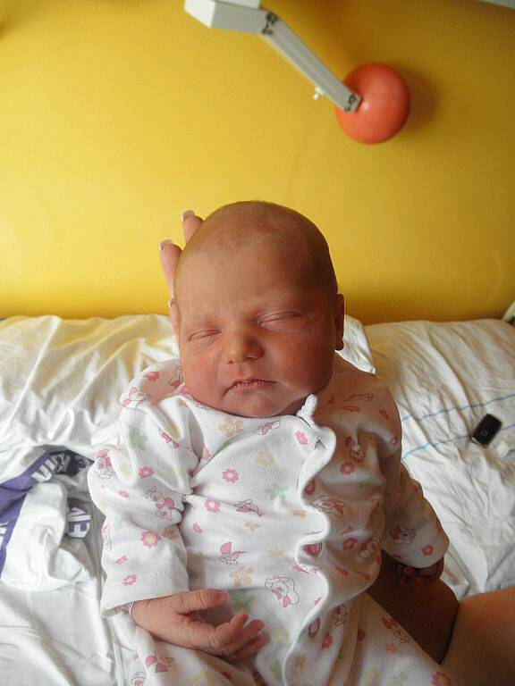 Lucii Lankašové z Děčína se 10. října v 21:28 v děčínské porodnici narodila dcera Lucinka Sasková. Měřila 48 cm a vážila 3 kg.