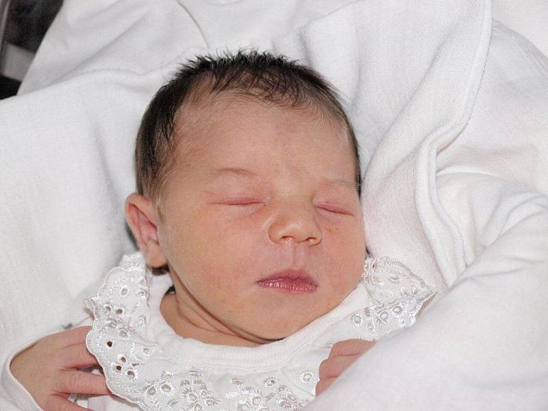 Ivetě Nastoupilové z Rumburka se 10.října ve 3.10 v rumburské porodnici narodila dcera Laura Seifertová. Měřila 50 cm a vážila 3,38 kg.