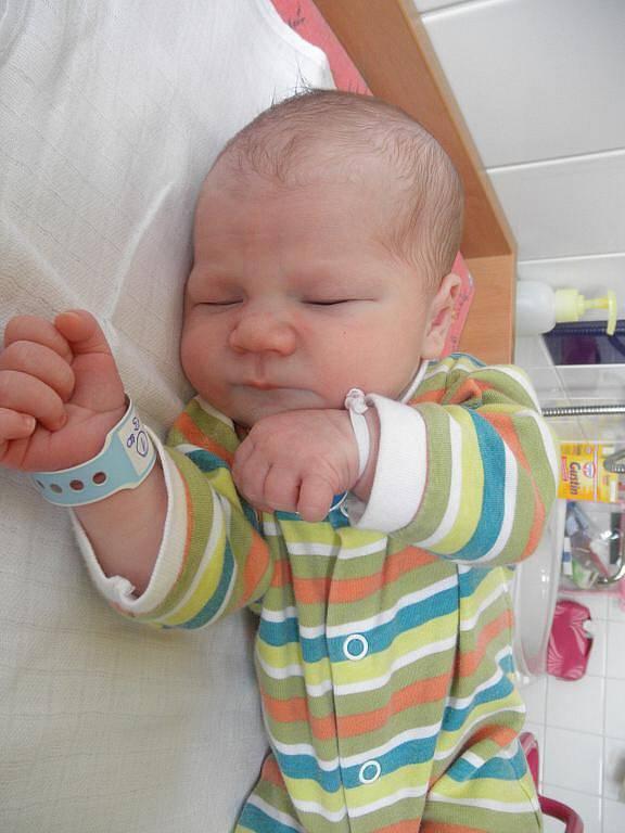 Evě Opatové z Malšovic se 7. října ve 13:30 v děčínské porodnici narodil syn Honzík Opat. Měřil 50 cm a vážil 3,45 kg.