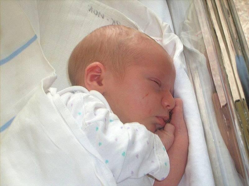 Tereze Racskové z Velkého Šenova se 28.září ve 12.56 v rumburské porodnici narodil syn Tomáš Jan Racsko. Měřil 48 cm a vážil 3,2 kg.