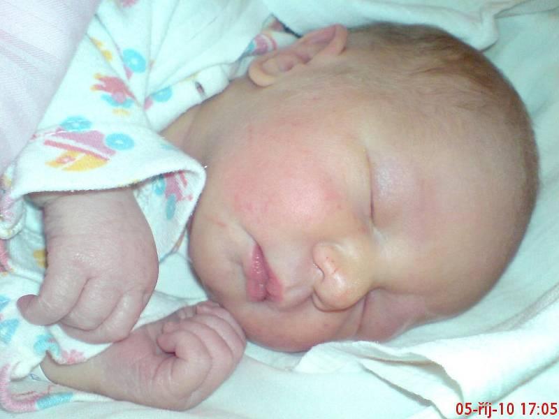 Veronice Štanclové Chabové z Dolní Poustevny se 4.října v 9.51 v rumburské porodnici narodil syn Sebastián Petr Štancl.Měřil 50 cm a vážil 3,20 kg.