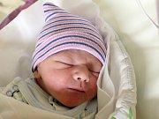 Jakub Navrátil se narodil Martině a Petrovi Navrátilovým z Rumburku 21. listopadu v 5.30. Měřil 52 cm a vážil 3,62 kg.