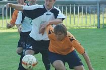 V ÚTOKU se neprosadil ani Ondřej Barilla (v oranžovém). Jílové prohrálo 0:5.