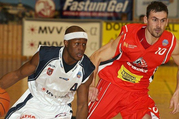 Basketbal: BK Děčín - Pardubice