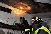 V Kyjově krb málem zapálil dům.