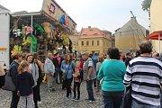 Na náměstí v České Kamenici čekala návštěvníky živá muzika, řada stánků i atrakcí.