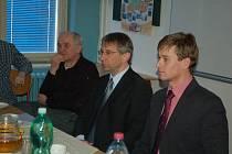 Schrödingerův institut v jeden den navštívili Drábek a Šlégr¶Schrödingerův institut v jeden den navštívili Drábek a Šlégr.