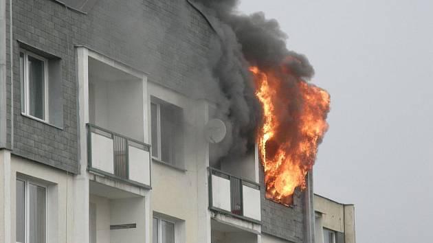 Požár bytu ve Weberově ulici v Děčíně Želenicích.