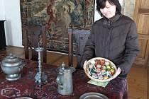 Průvodkyně Jaroslava Daďourková doufá, že se velikonočně nazdobený zámek bude návštěvníkům líbit.