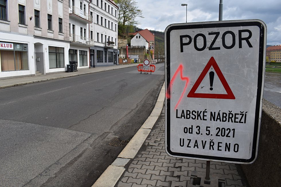V Děčíně začala uzavírka Labského nábřeží.
