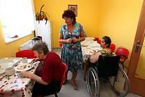 Ústav sociální péče v Jiříkově na Děčínsku se stal po rekonstrukci důstojným domovem pro mentálně postižené.