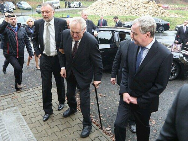 Miloš Zeman přijel do děčínské firmy Valdemar Grešík.