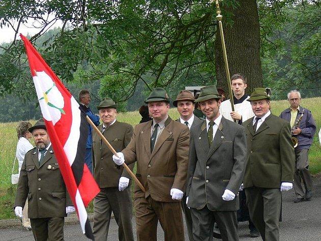 Růžová má posvěcenou vlajku