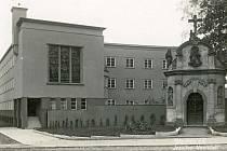 Bývalá jezuitská kolej v Děčíně.