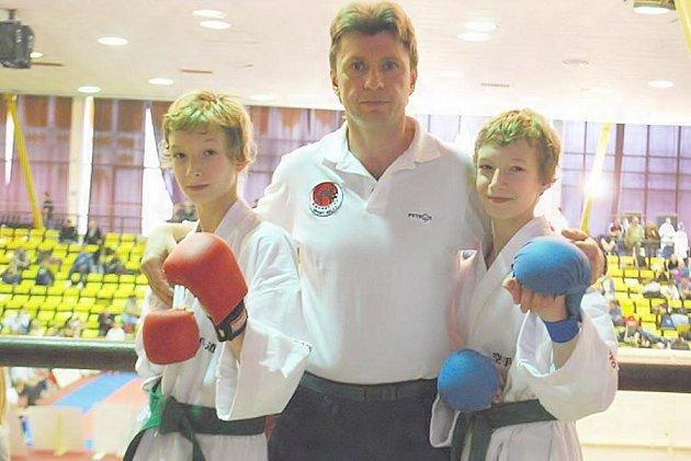 Bratři Bittnerové s trenérem Veselým.