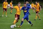 Fotbalisté Varnsdorfu (modré dresy) podlehli pražské Dukle 2:4.