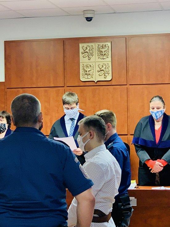 Soudní přelíčení s Jiřím N. 15. května v Ústí nad Labem.
