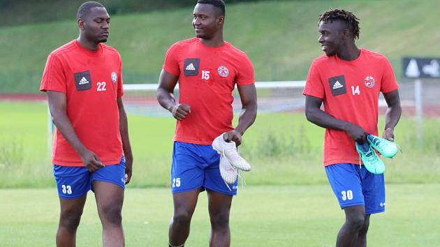 První trénink v rámci letní přípravy mají za sebou fotbalisté Varnsdorfu.