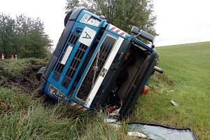 Dopravní nehoda u Velké Bukoviny.