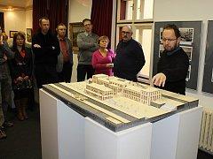 Výstava v muzeu přibližuje minulost a nastiňuje možnou budoucnost východního nádraží v Děčíně.