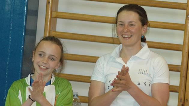 VERONIKA VÍTKOVÁ dorazila společně s Janou Vápeníkovou na ZŠ Dr. M. Tyrše, kde proběhla v rámci kampaně Česko sportuje takzvaná Olympijská hlídka.