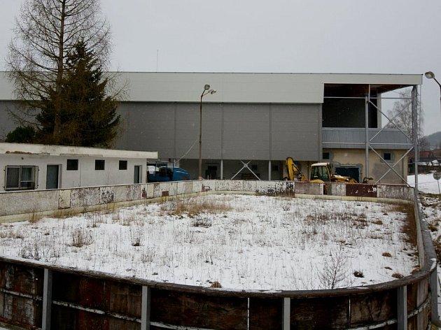 ZIMNÍ stadion ve Varnsdorfu prochází dlouhodobou rekonstrukcí.