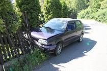 Dalším důkazem toho, že úřady nezakazují řízení motorových vozidel pro legraci, je nehoda, která se odehrála na periferii Děčína.