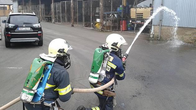 Taktické cvičení dobrovolných hasičů v Březinách.