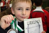 STŘÍBRNÁ RADOST. Matěj Hubáček si vybojoval v Německu druhé místo ve váze do 19 kg.
