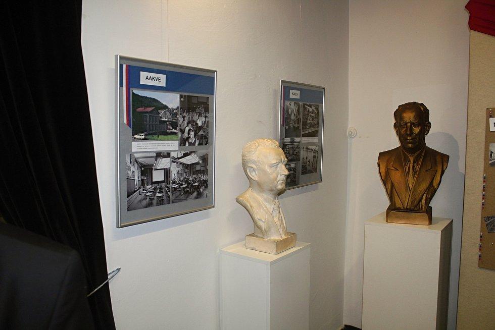Vernisáž výstavy 30 let změny v Oblastním muzeu Děčín.