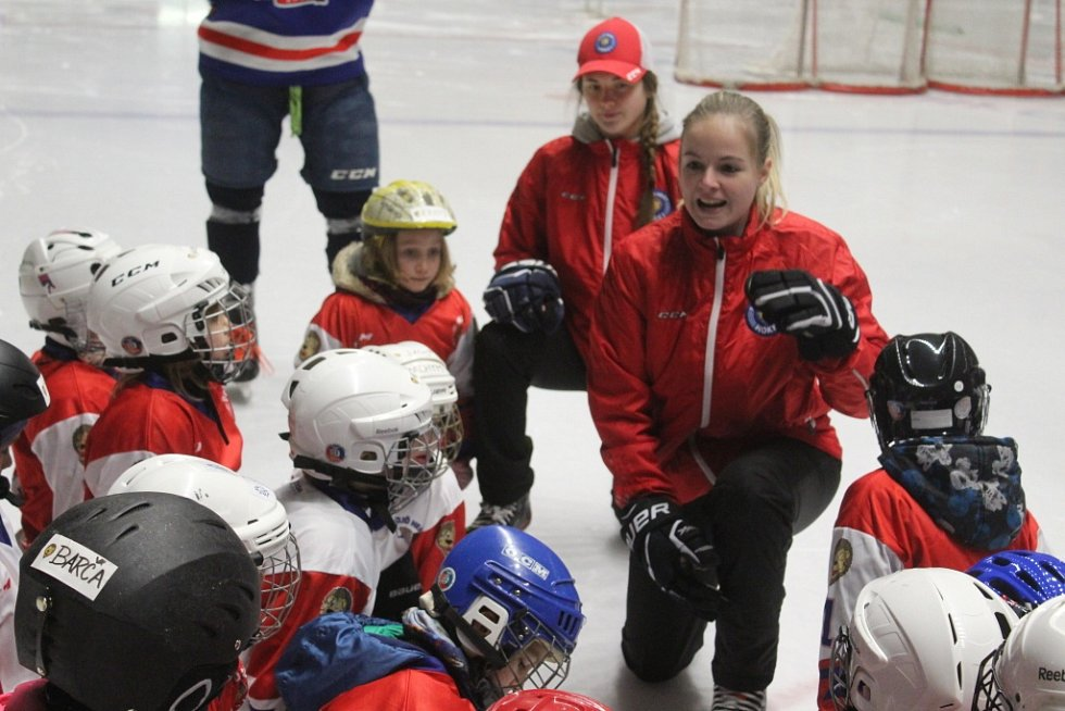 Děčínský zimní stadion hostil děti v rámci akce Týden hokeje.
