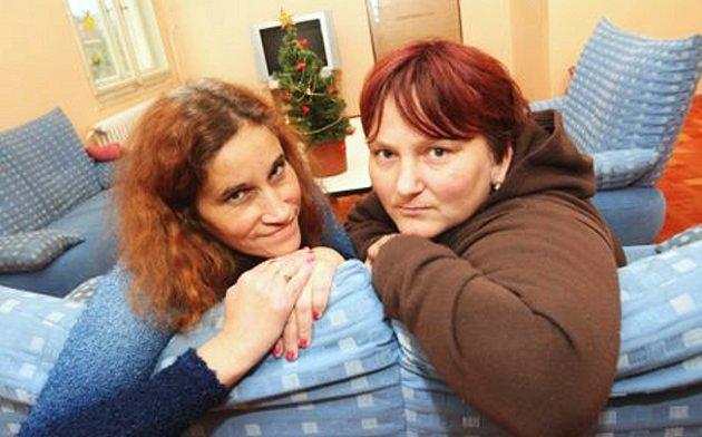 Jiřina a Julie,které se ocitly ve svízelné životní situaci bez domova,  bydlí v azylovém domě s dětmi již půl roku. Letošní vánoce zde z největší pravděpodobností stráví také.