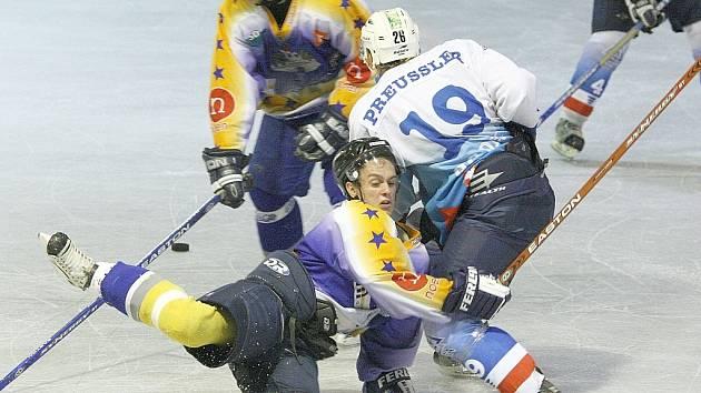 Ve třetím přípravném utkání zkompletovali děčínští hokejisté sbírku možných výsledků. Remizovali s Kláštercem.