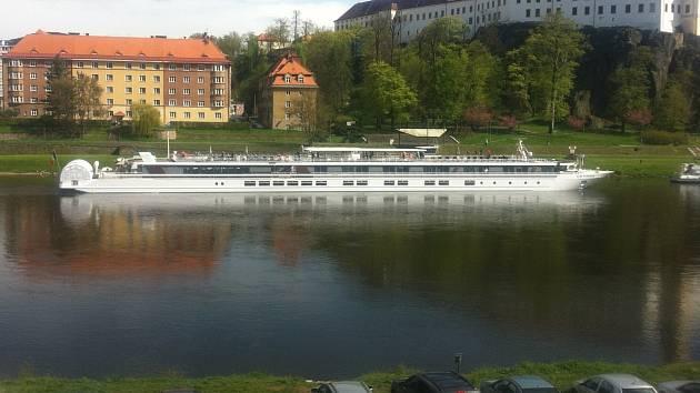 Říční osobní loď Princezna Labe.