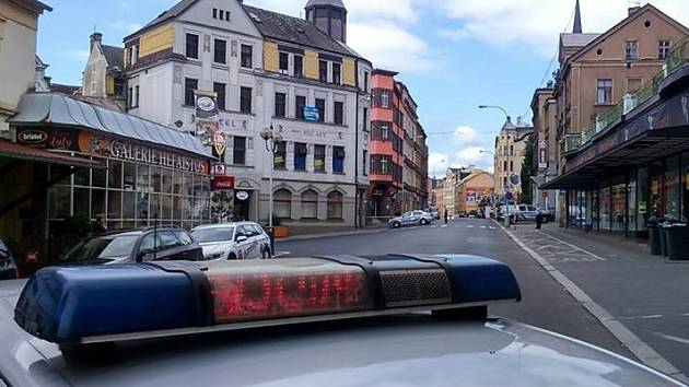 Nahlášená bomba v ulici Teplická v Děčíně.