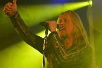 Ve varnsdorfském Pivovaru Kocour si fanoušci užili pořádný rockový nářez.