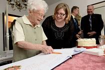 Vlasta Balousová oslavila sté narozeniny.