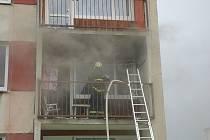 Požár bytu v Čelakovické ulici ve Varnsdorfu.